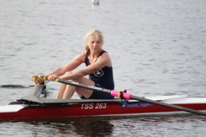 masters women single scull, masters rowing, old athlete rowing,