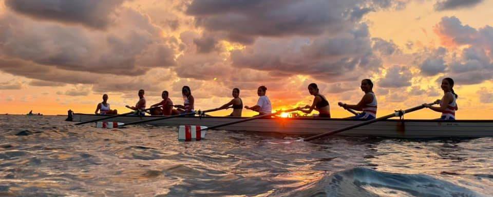 Shoulder lift in rowing